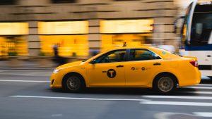 taxi van gorinchem naar airport